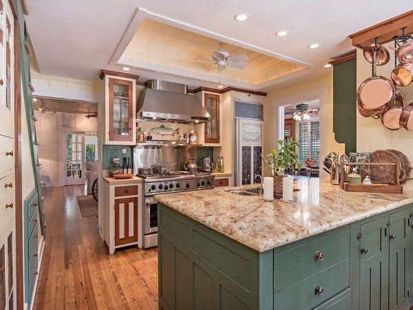 Restored old house for sale darling 1921 cottage for Zillow kitchens