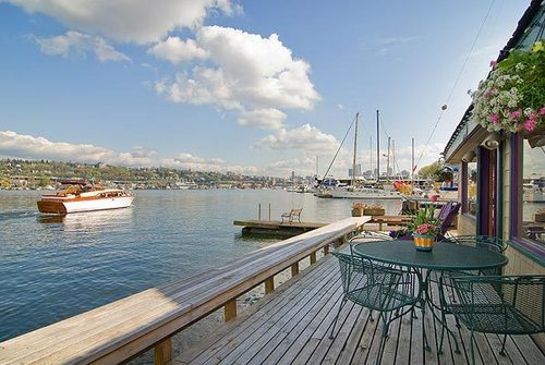 Sleepless in Seattle Houseboat is sold 3