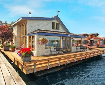 Sleepless in Seattle Houseboat is sold