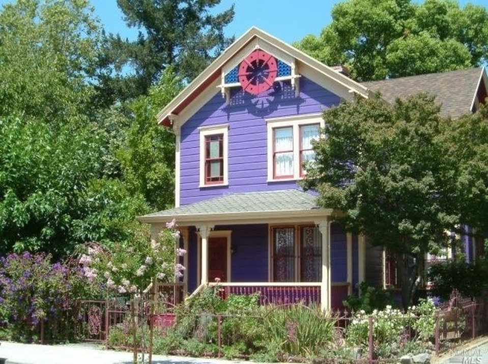 Pretty Purple Victorian Painted Lady : 1526 3rd St Napa CA from www.housekaboodle.com size 959 x 715 jpeg 308kB