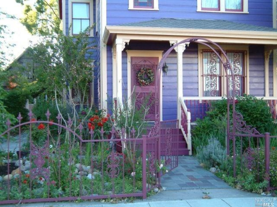 Exterior 1526 3rd St Napa CA Victorian for sale - Coldwell Banker