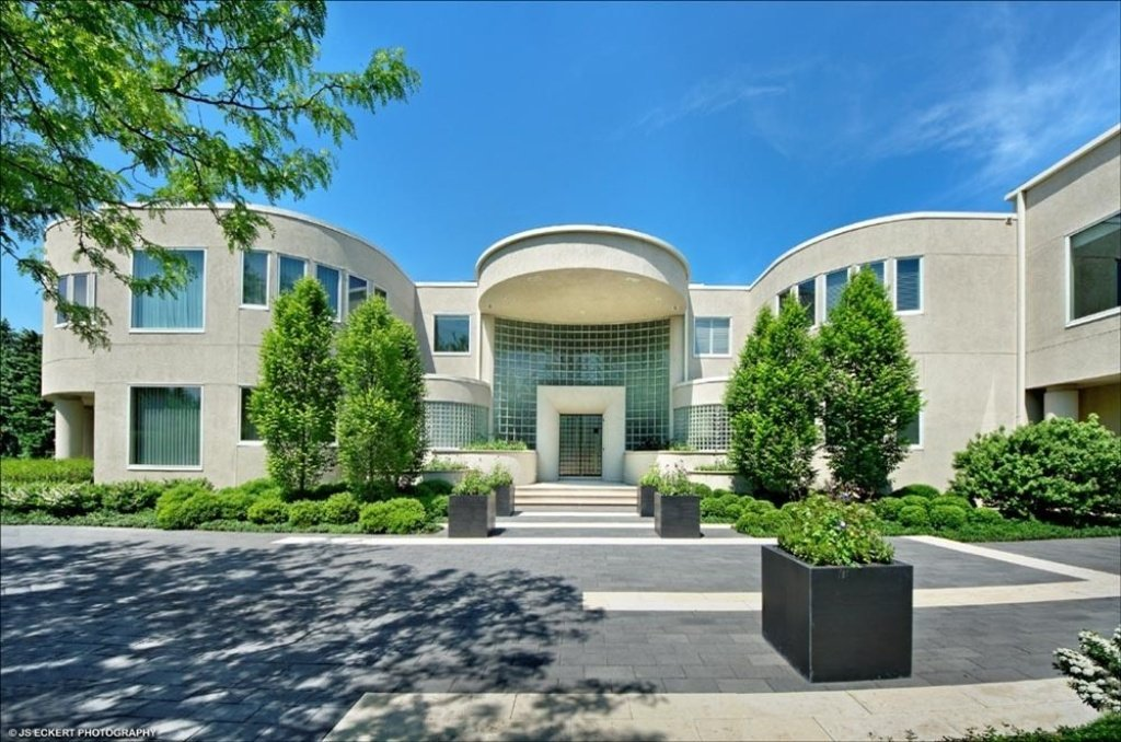 Michael jordan mansion in highland park il for Chicago house for sale
