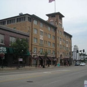 Hotel Baker St. Charles IL