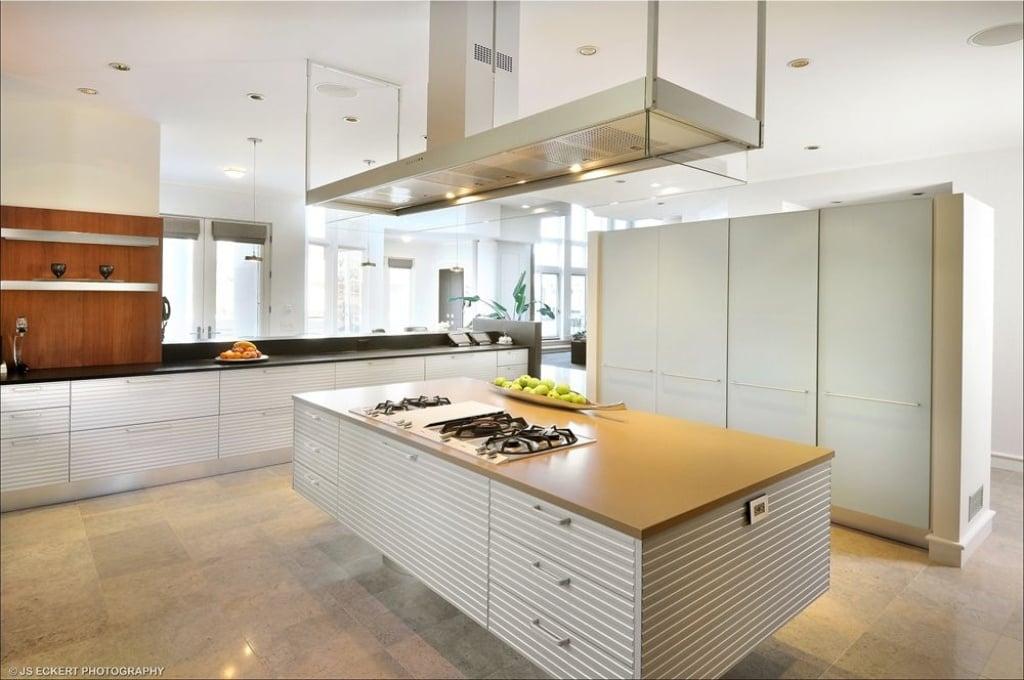 Kitchen - Michael Jordan Highland Park mansion for sale