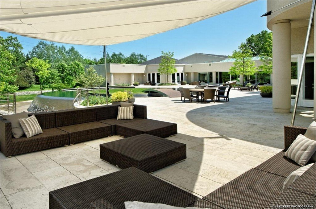 Patio Michael Jordan Highland Park IL mansion