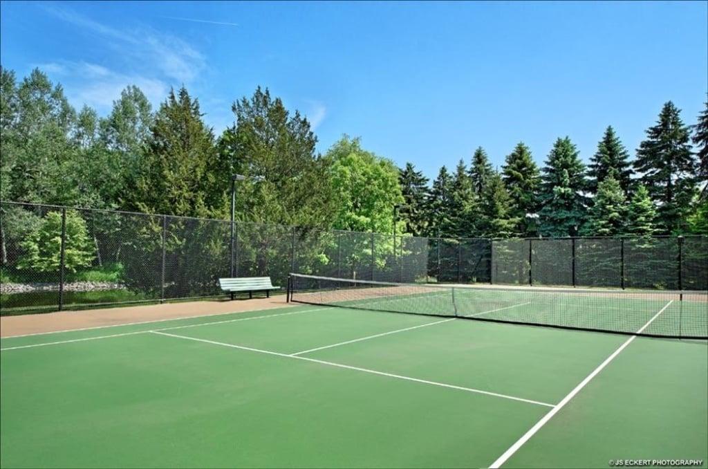 Tennis Court Michael Jordan Highland Park IL mansion