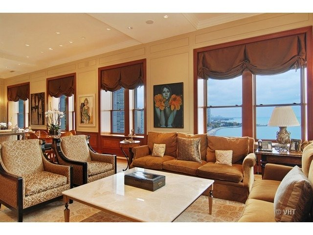 189 East LAKE SHORE Drive Penthouse in Chicago for sale