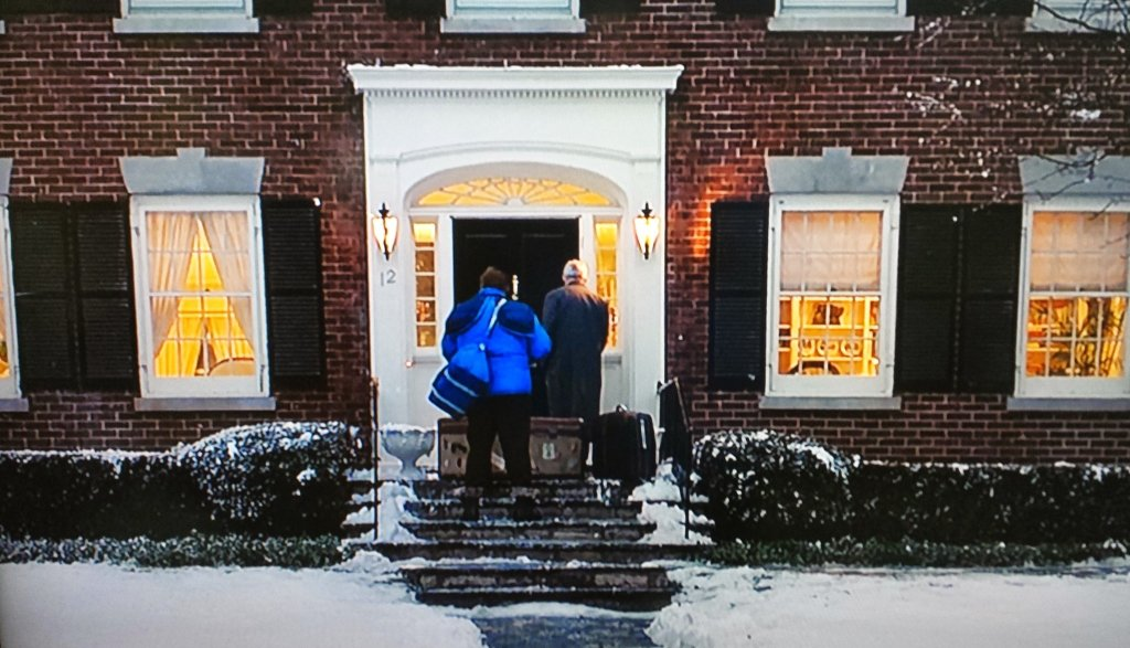 Planes Trains and Automobiles arriving home scene