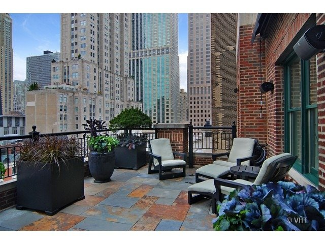 Terrace 189 East LAKE SHORE Drive Unit PH18-20