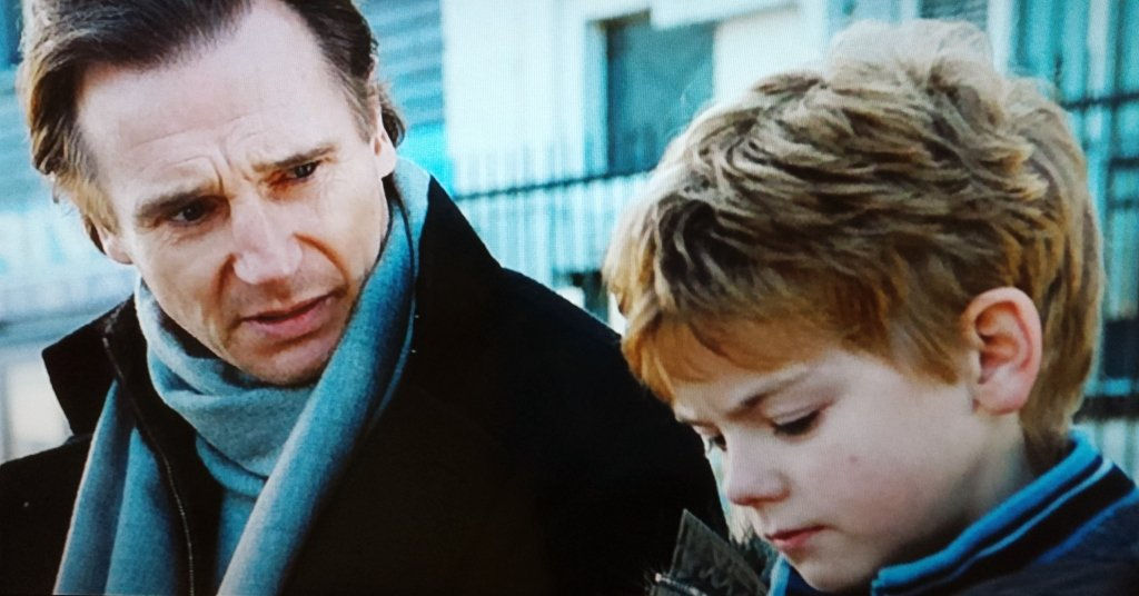 Daniel and Sam in Love Actually screen shot
