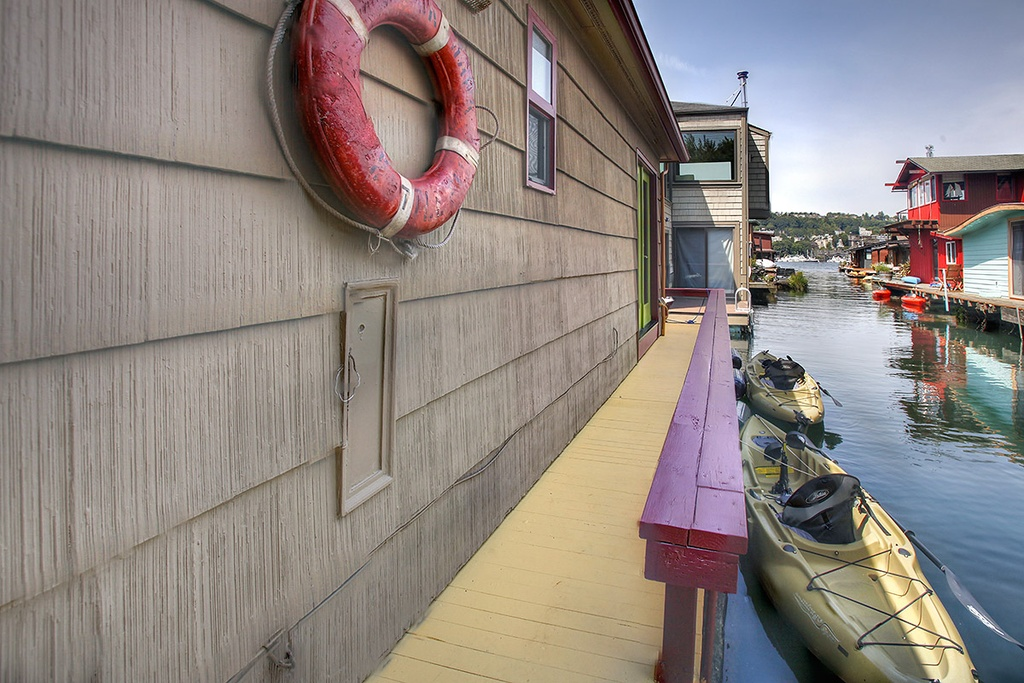 Floating Home in Seattle WA for sale 2017 Fairview Ave E Unit 3