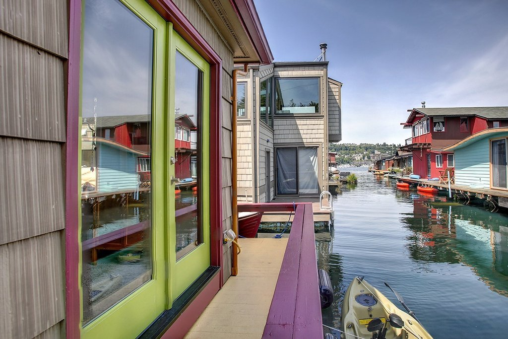 Floating Home in Seattle WA for sale 2017 Fairview Ave E Unit 4