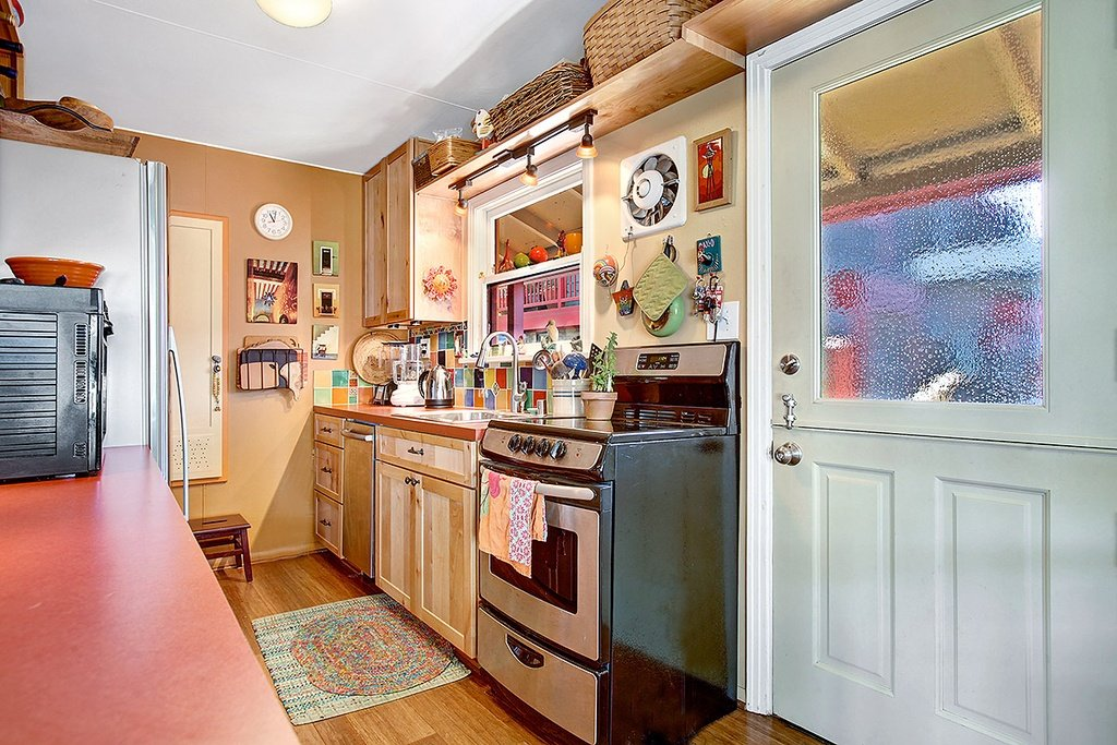 Floating Home in Seattle WA for sale 2017 Fairview Ave E Unit - kitchen