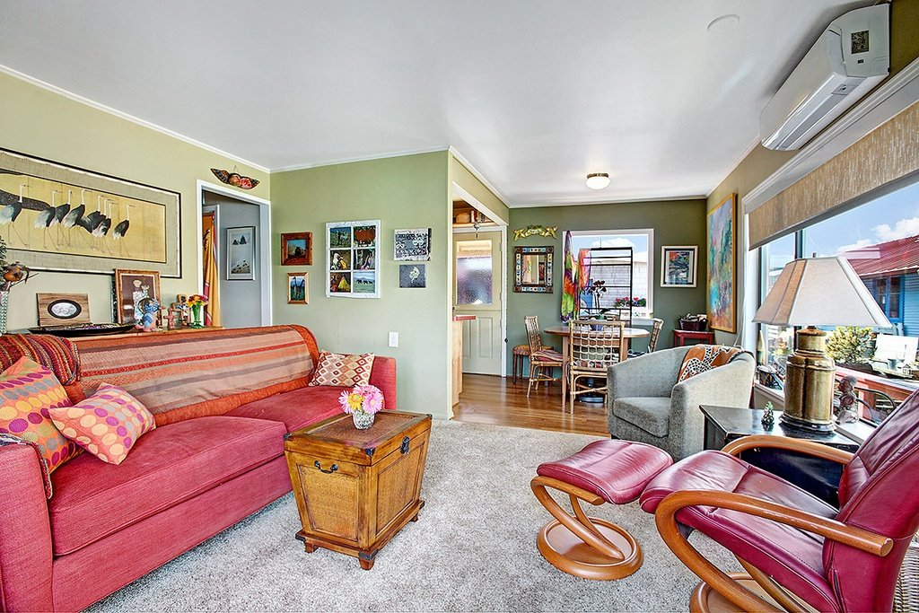 Floating Home in Seattle WA for sale 2017 Fairview Ave E Unit - living room