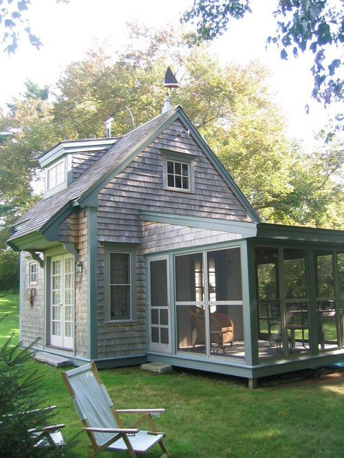 10 teeny tiny houses - this house is by BF Architects via Houzz