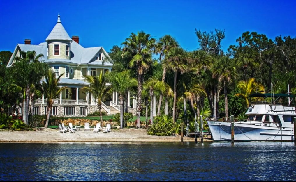 House of the Year 2015 - Lamb Manor in Florida bought for $1 and fully restored to her historic beauty inside and out. Take the home tour.