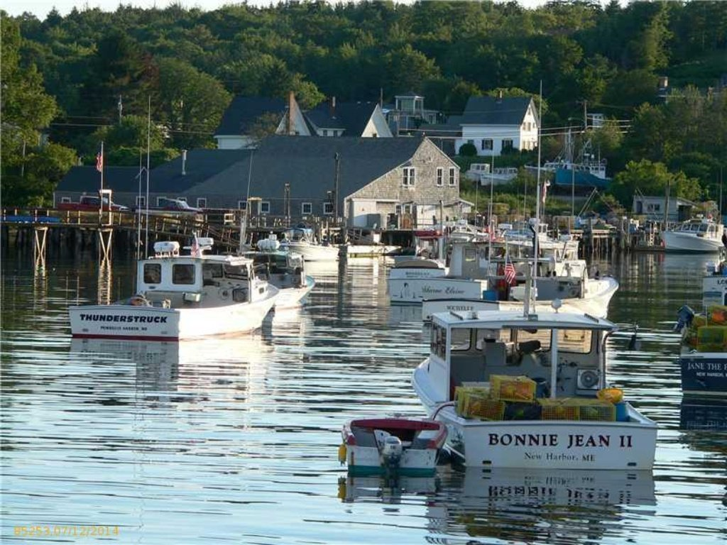 Small cape cod house in maine is the most adorable for Cape cod waterfront homes for sale
