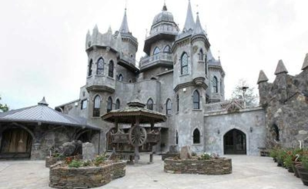 Fairytale Castle for sale 450 Brickyard Rd Woodstock, CT 2