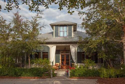 Fish Camp Cottage via Houzz by Atlanta Architects & Building Designers Historical Concepts - Love this fun Cracker style home in Florida that is new but built to look old world style