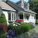 Small Cape Cod House in Maine is the Most Adorable