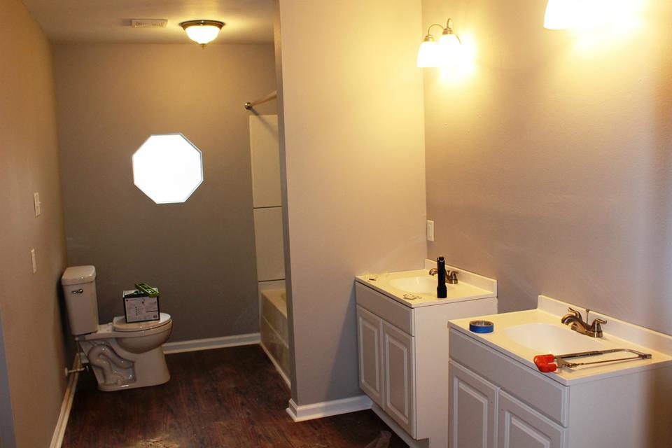 3 Boys and a Dog Miller Manor renovation childrens bathroom