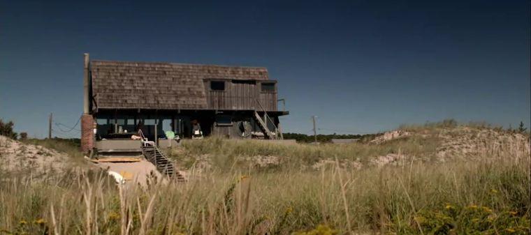 Back of The Affair Cole and Alison beach house scene