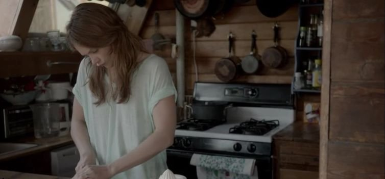 Inside the beach house on Showtime's The Affair - Allison is still just going through the motions of daily living.