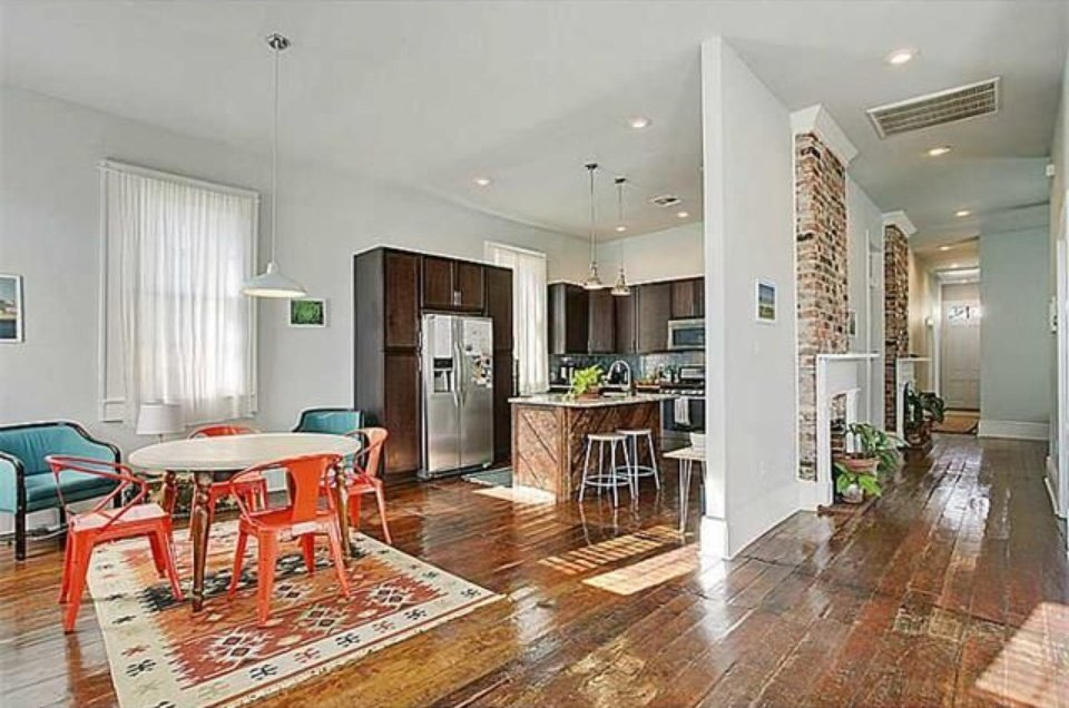New Orleans cottage for sale has plenty of modern updates