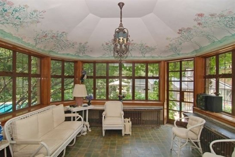 Sunroom in Lake Forest IL house for sale