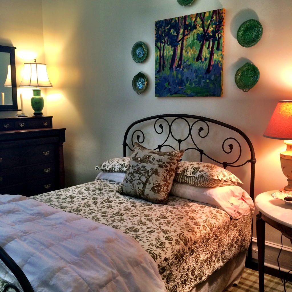 Green guest room