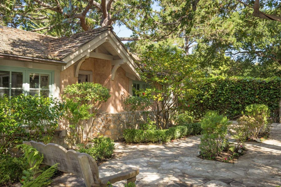 Cottage In Carmel Is Enchantment By The Sea