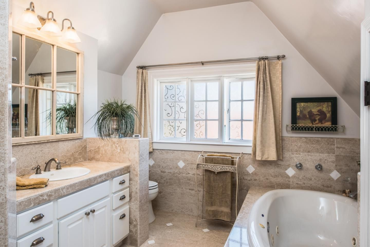950 14th St, Pacific Grove, CA for sale in Candy Cane Lane neighborhood - cottage style master bath
