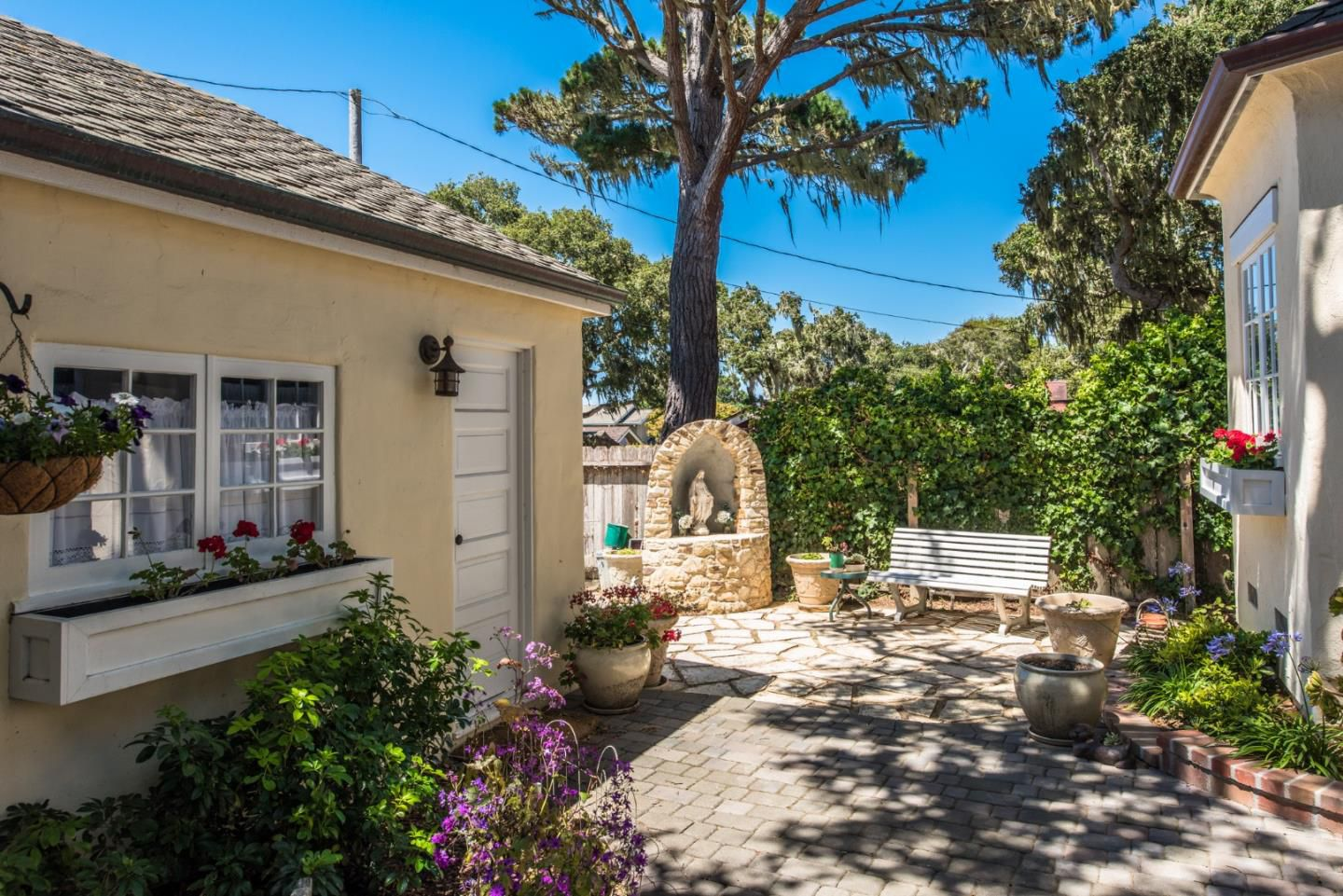 950 14th St, Pacific Grove, CA for sale in the wonderful Candy Cane Lane neighborhood