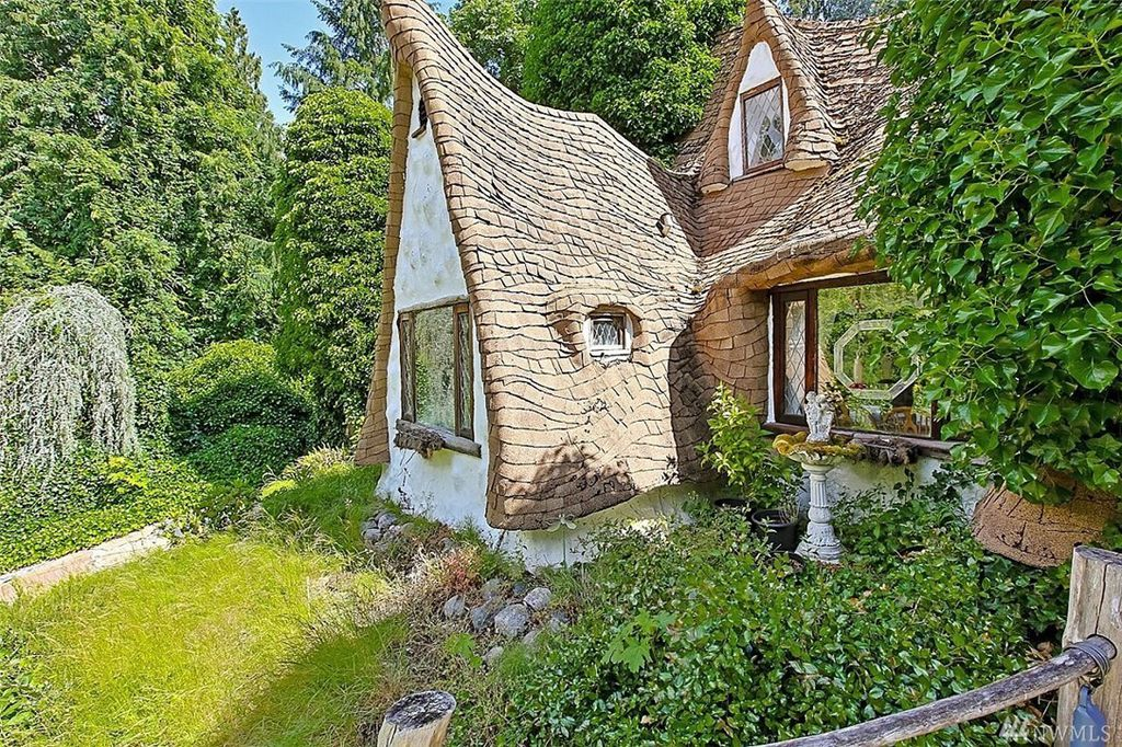A truly incredible storybook cottage - Snow White's Cottage is an adorable storybook home