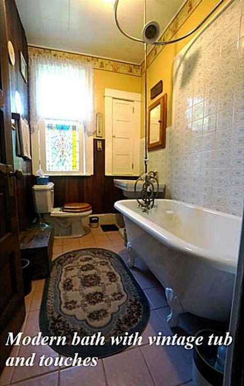 Bathroom 8 Circle St Perryopolis PA house for sale