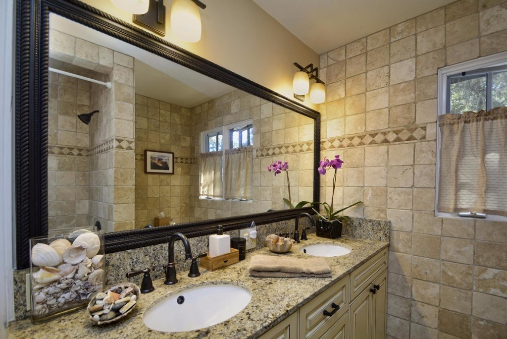 Bathroom 86 Oak Way Carmel CA