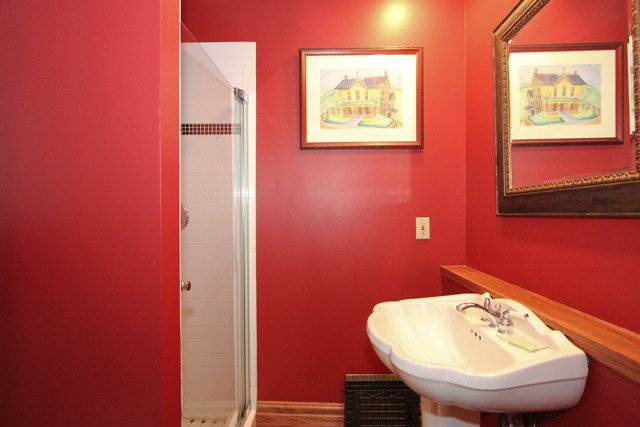 Bathroom525 Forest Ave Glen Ellyn IL home for sale