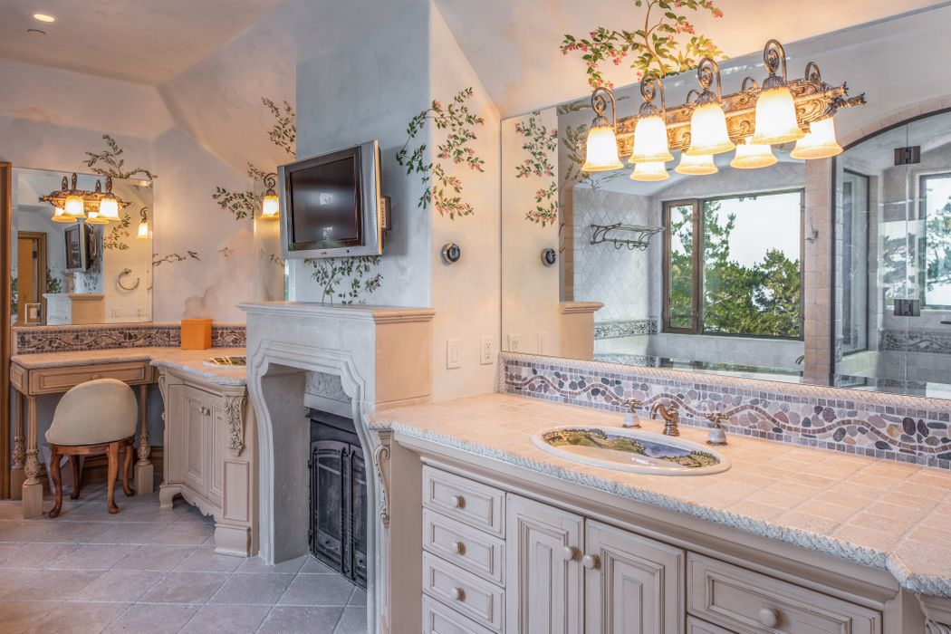 Beach Boys Mike Love Selling Pebble Beach Home - 3108 Flavin Lane Pebble Beach CA - Bathroom vanity