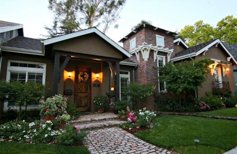 A Darling Sacramento CA Home with Beautiful Patio
