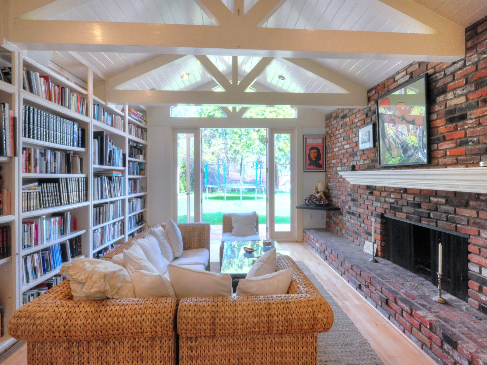 Beautiful home in Malibu CA for sale is Sean Penn's home - Sothebyshomes
