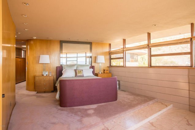 Bedroom - Frank Lloyd Wright house in Arizona