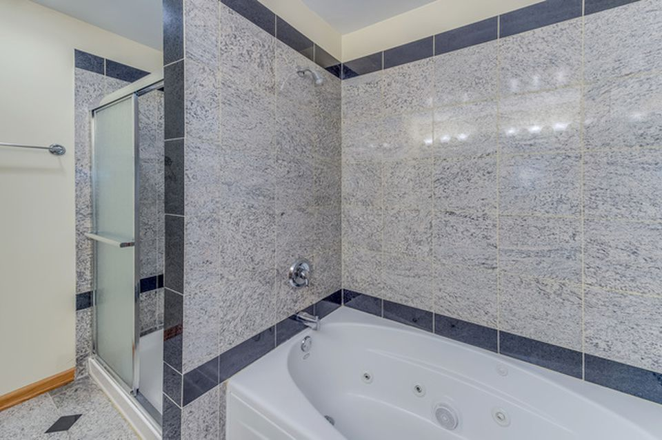 Belushi childhood home 904 E Elm St Wheaton IL for sale- Bath with shower and tub