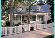 Cape Cod-Style Home Tour. - via HousePlansandMorejpg