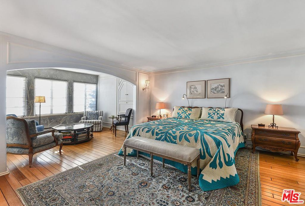 Cary Grant beach house in Santa Monica for sale - Bedroom