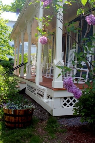 Catalpa House Porch
