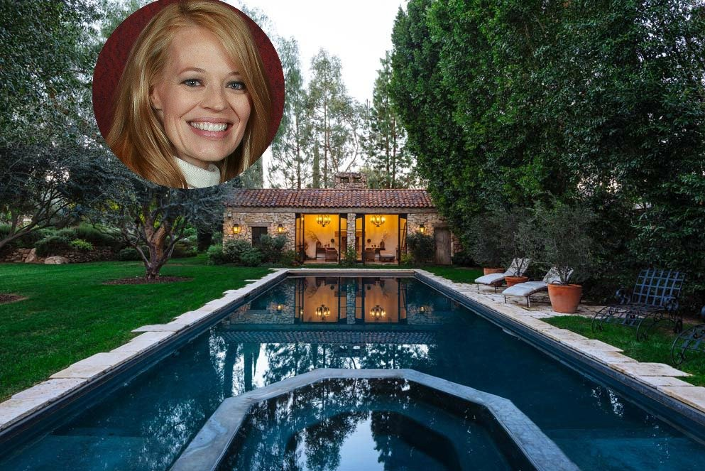 Celebrity Jeri Ryan's House in Southern California is a beautiful old world south of France style home.