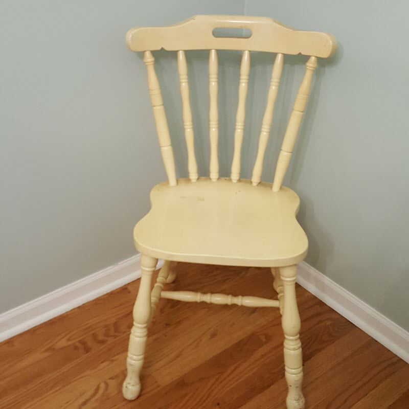 Vintage Farmhouse Style chair before makeover