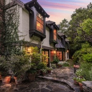 Charming English Country home on Boca De Canon Lane Los Angeles, CA
