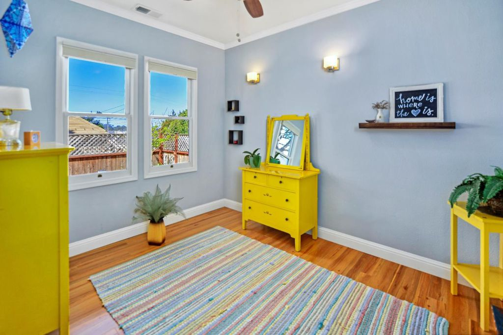 Charming Tiny coastal cottage in Pacific Grove CA for sale- Bedroom