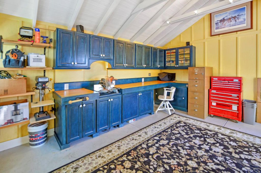 Charming Tiny coastal cottage in Pacific Grove CA for sale - garage space 2